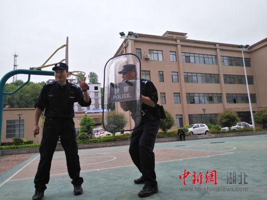 全天北京赛车PK10计划:竹溪公安:送教下基层_助力提升民警实战能力