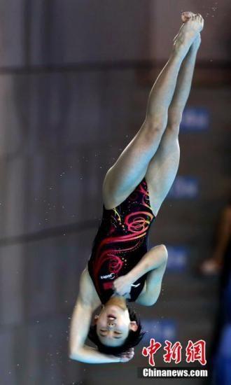 张家齐、任茜包揽跳水世界杯女子十米台冠亚军