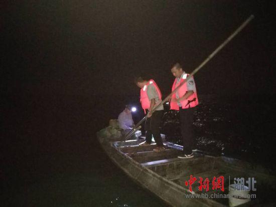 北京快乐八技巧:洪湖保护区专项整治夜间非法捕捞