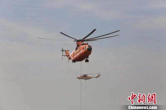湖北举行运用大型直升机遂行应对重大堤防险情演练