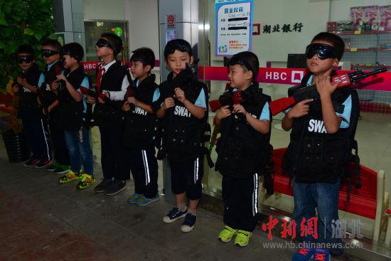 宜昌一小学办女生男孩节-中新网湖北图片女孩身高正常图片