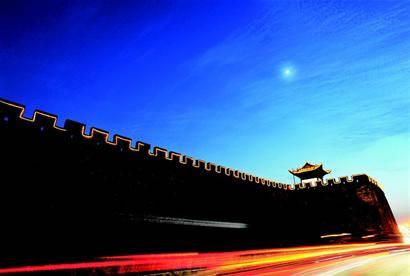樊城   沿江大道:移动的风景   在襄阳这座历史文化名城赏月,没有